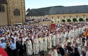 #Luxemburg: Die Spring-Prozession in Echternach